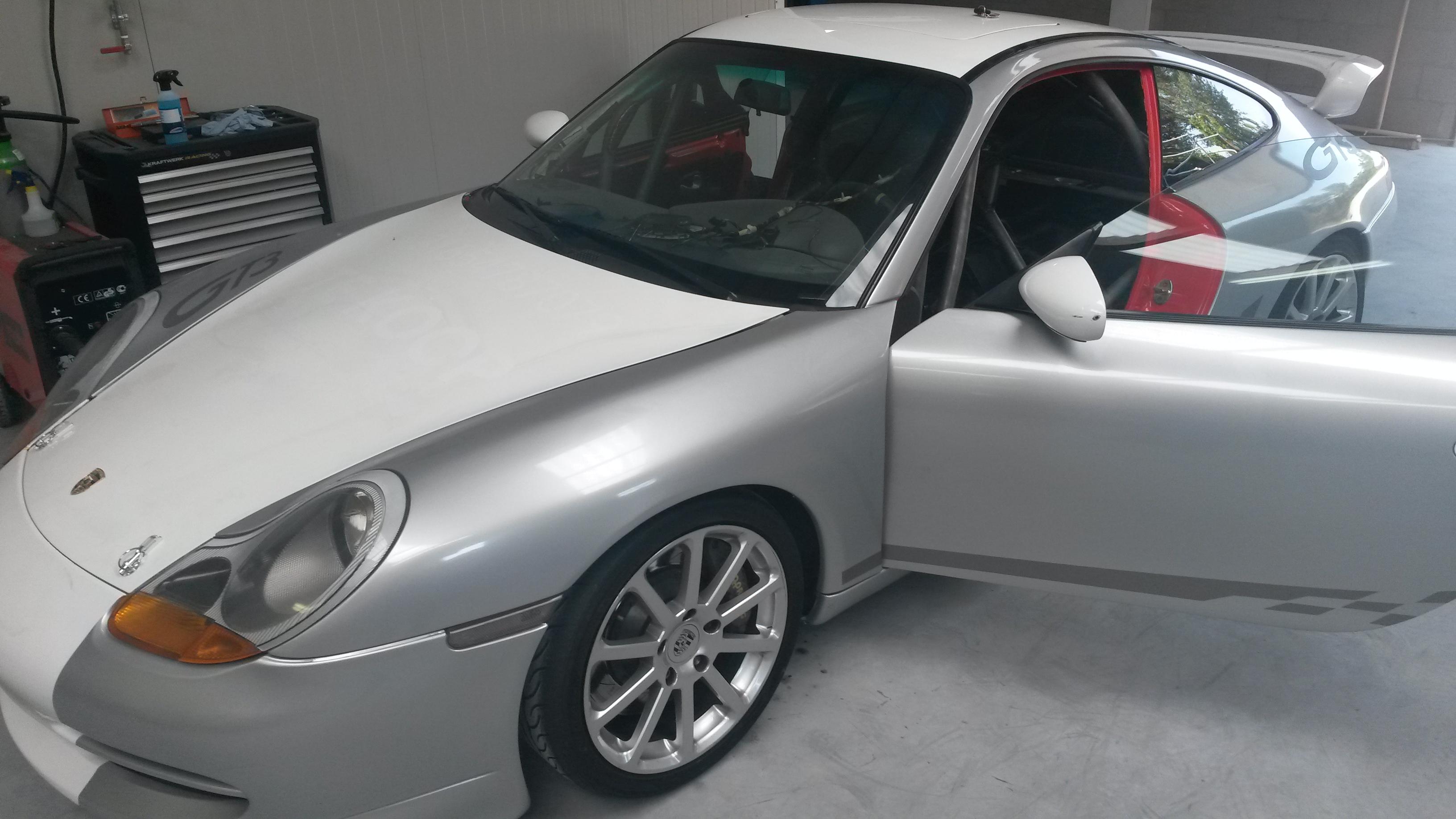 Rolkooi In Een Porsche 996 GT3 Gelast