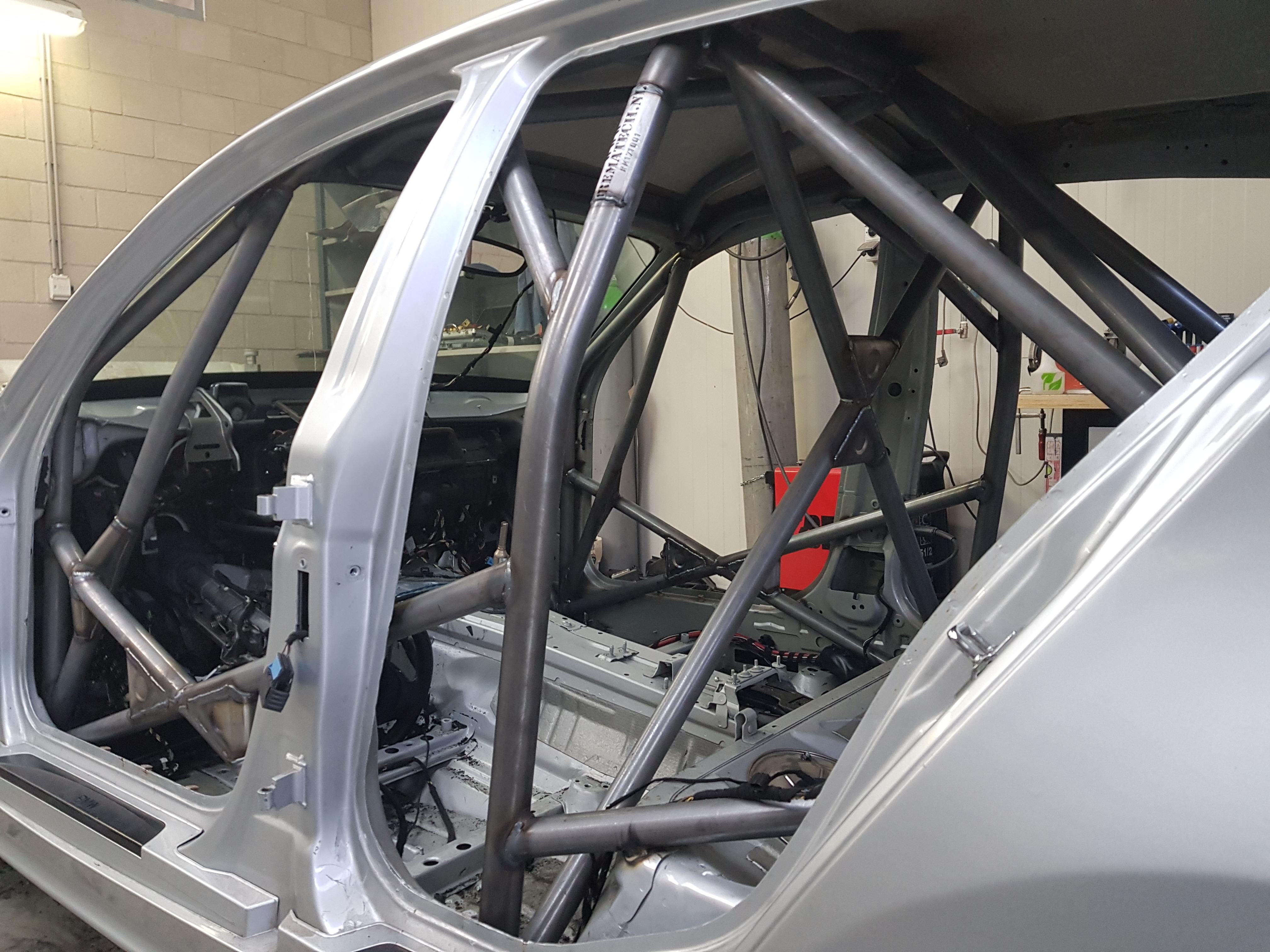 BMW 1 Serie E87 Voorzien Van Rolkooi