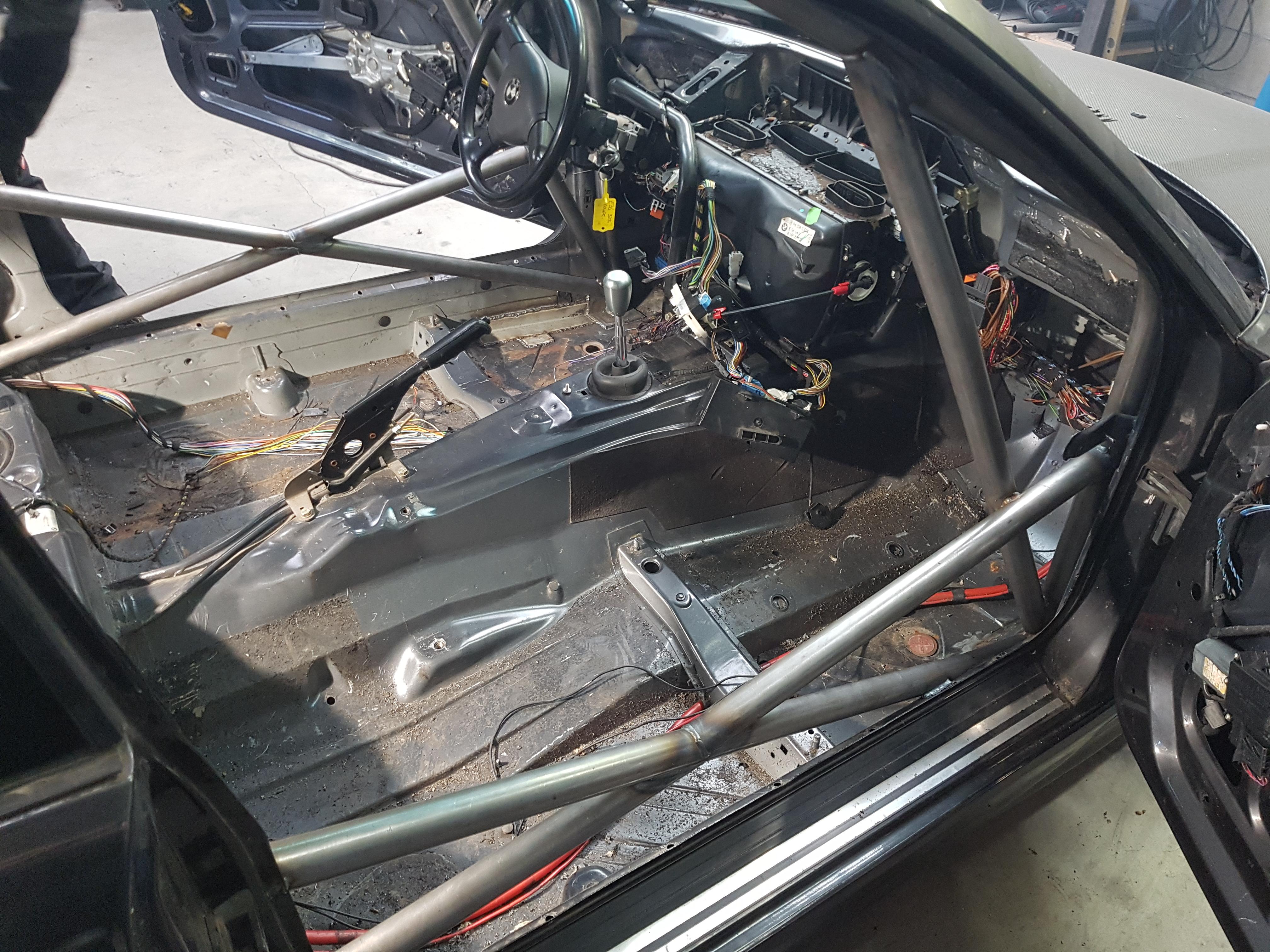 BMW E36 Coupe Voorzien Van Rolkooi