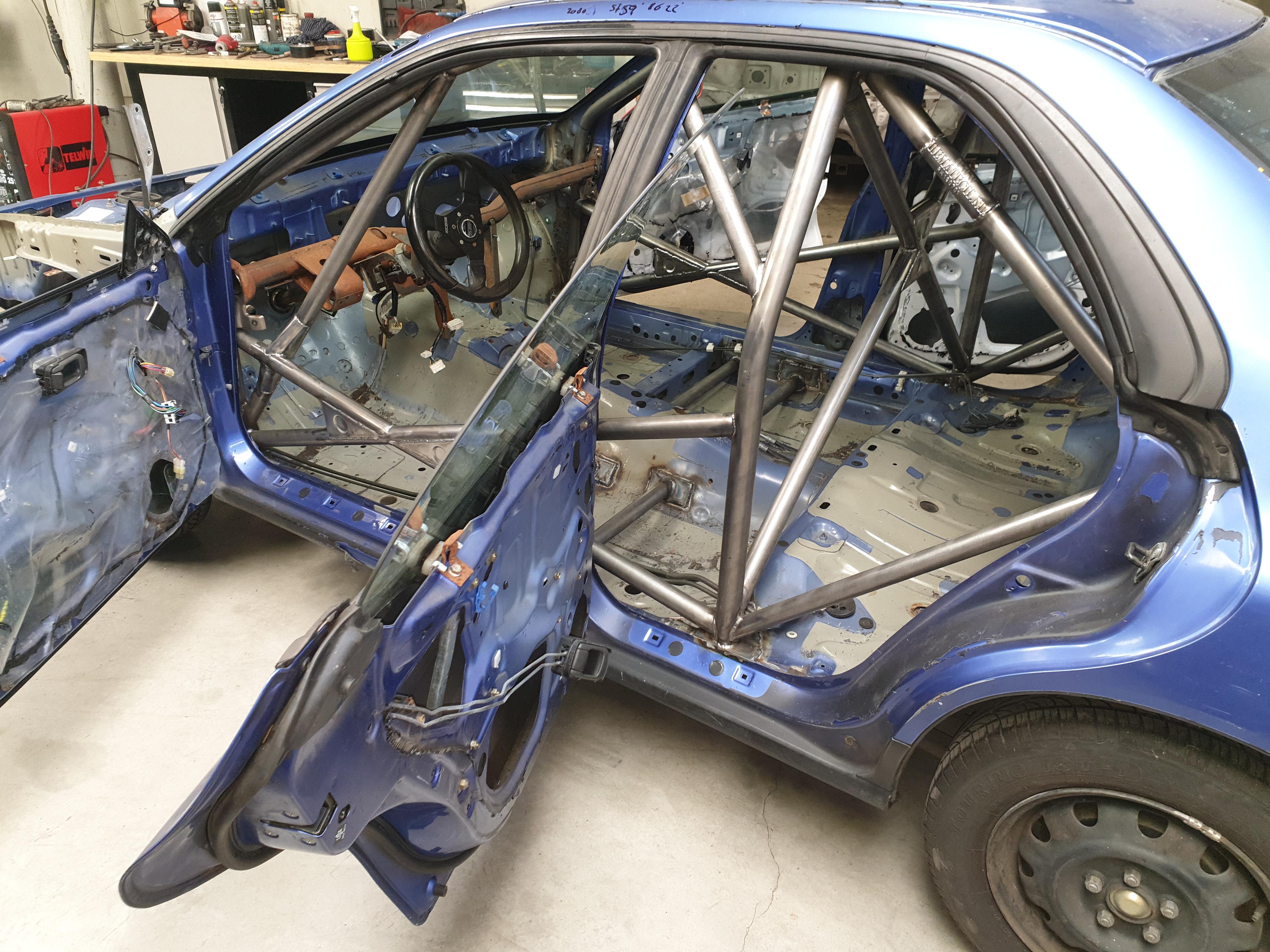Subaru Impreza GTT GC8 Voorzien Van Rolbeugel Voor Rallysport