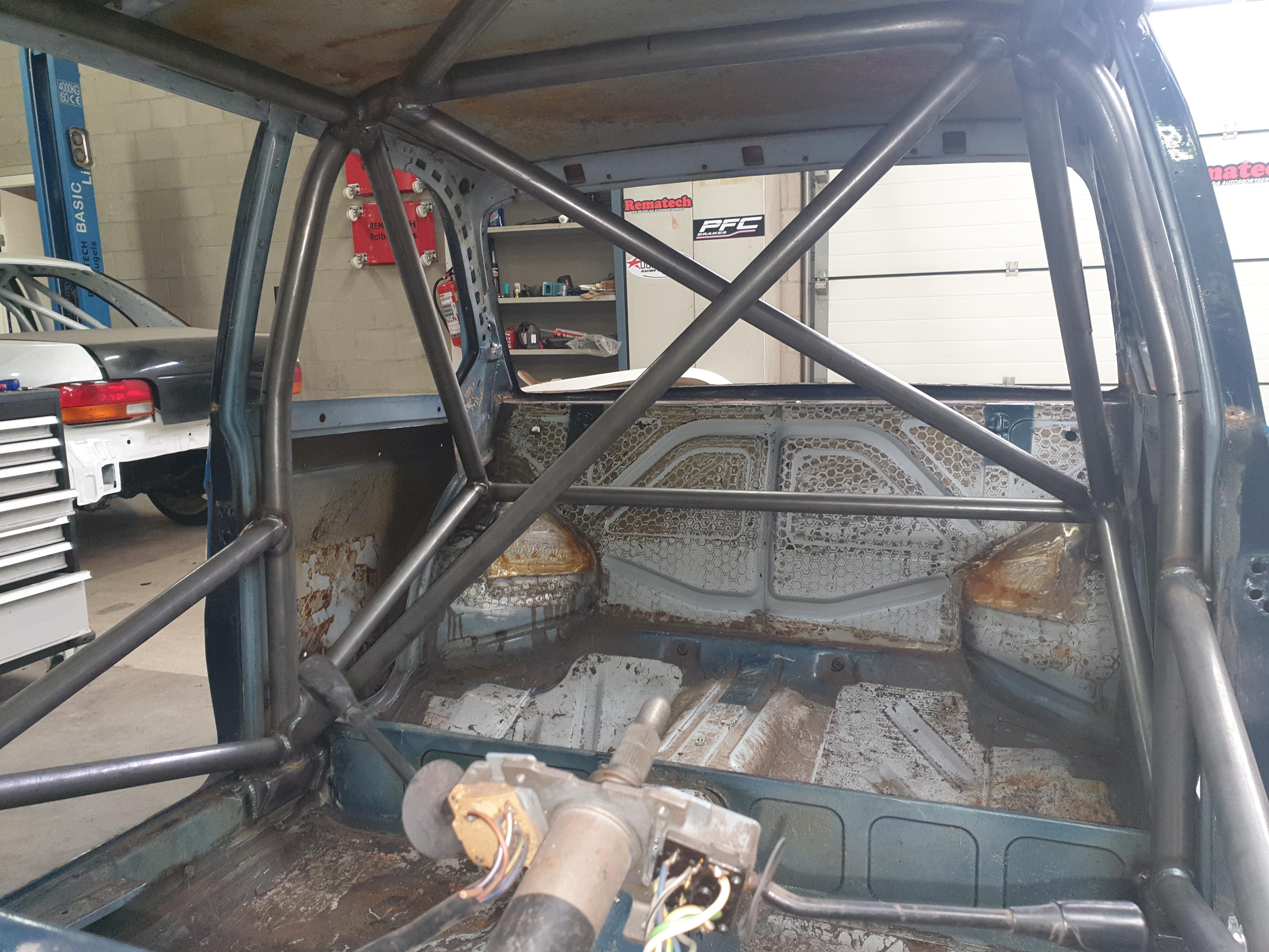 BMW 2002Ti Uit 1973 Met Gecertificeerde Rolkooi
