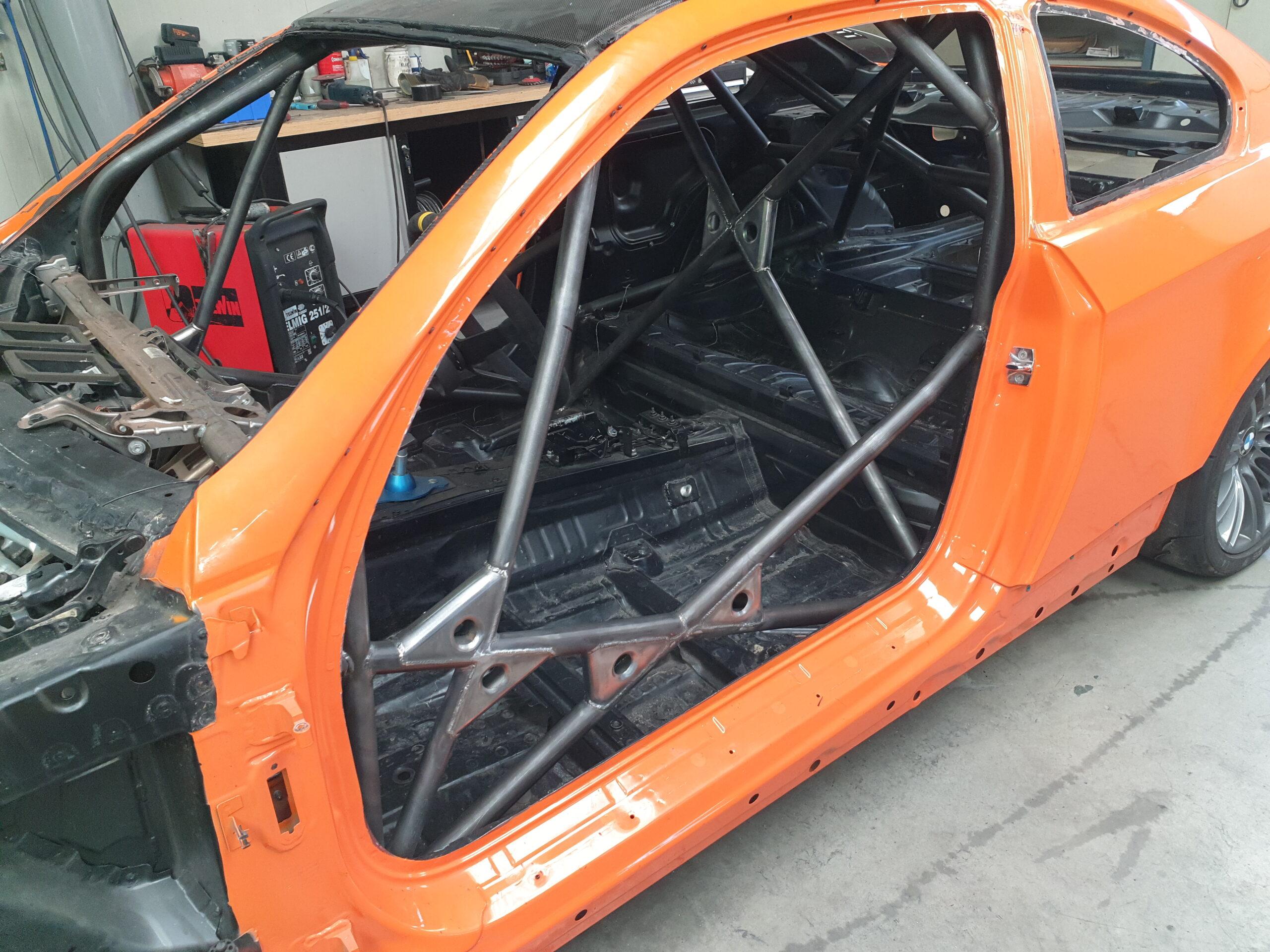 BMW M3 E92 Voorzien Van Een Gecertificeerde Rolbeugel Van Chroommolybdeen.