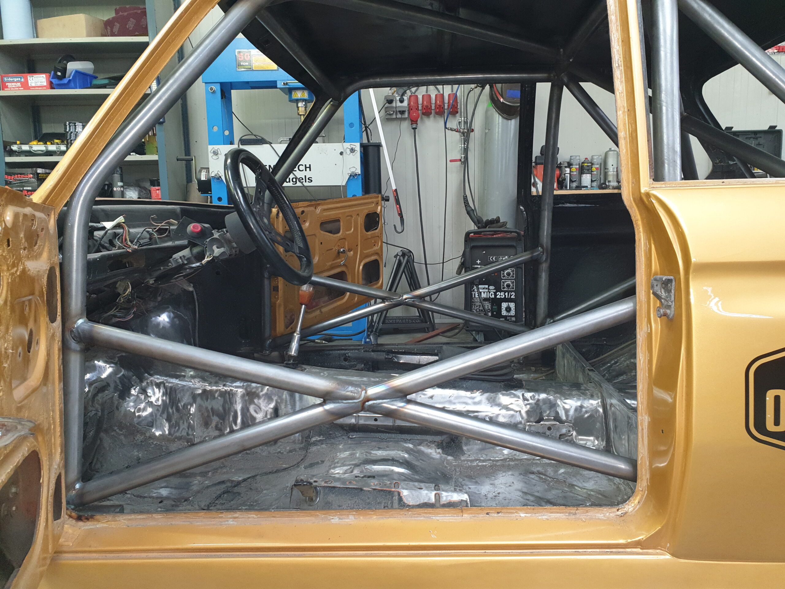 BMW 2002 Historic Racer With ASN Certified Rollcage