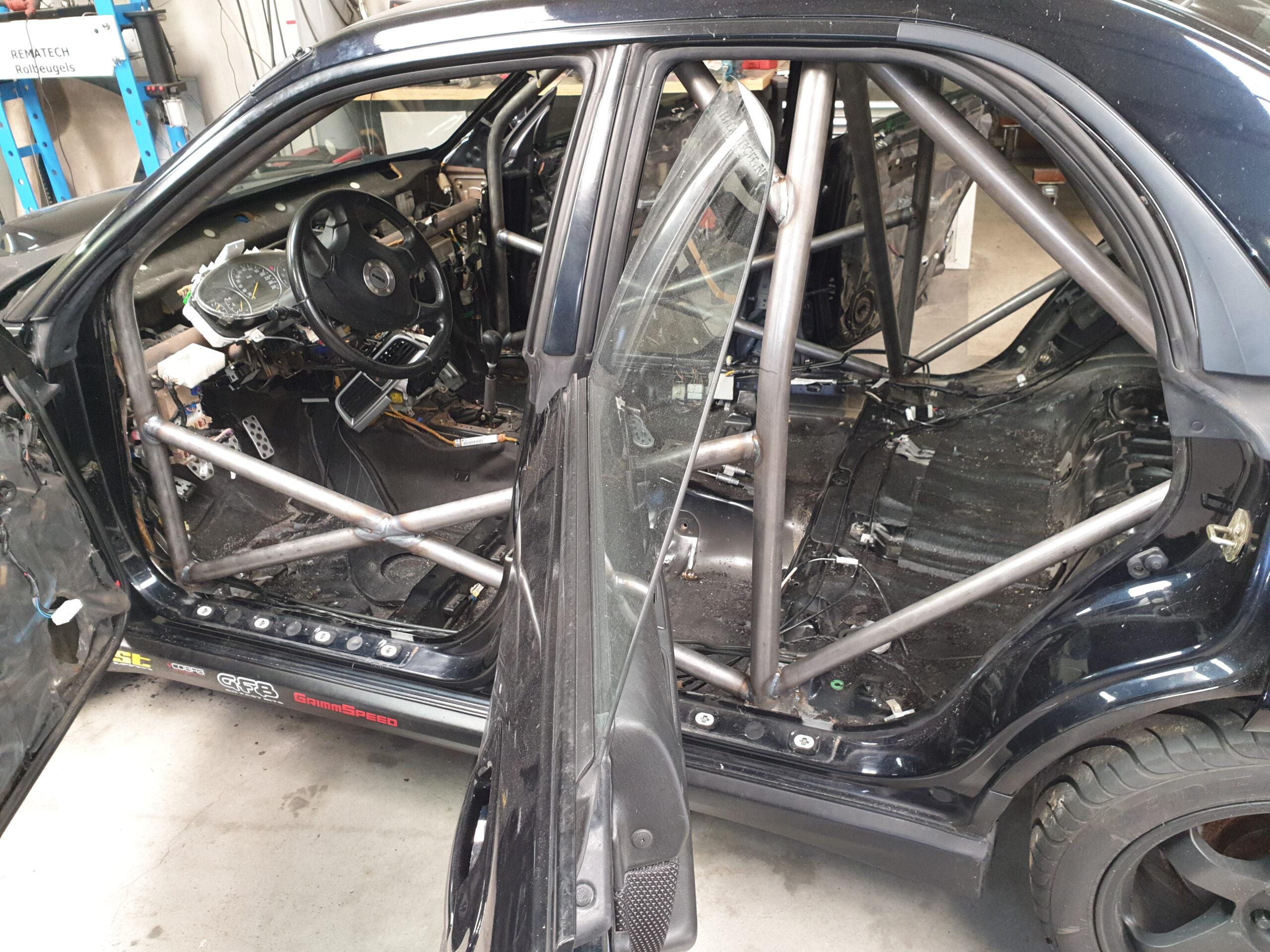 Subaru Impreza WRX Van Rolbeugel Voorzien